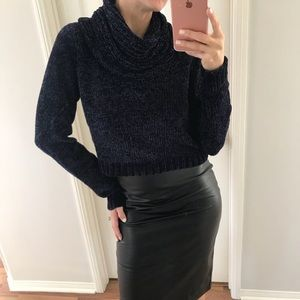 Sweaters - New Cropped cowl-neck sweater 💕